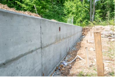 concrete retaining wall in Port St lucie